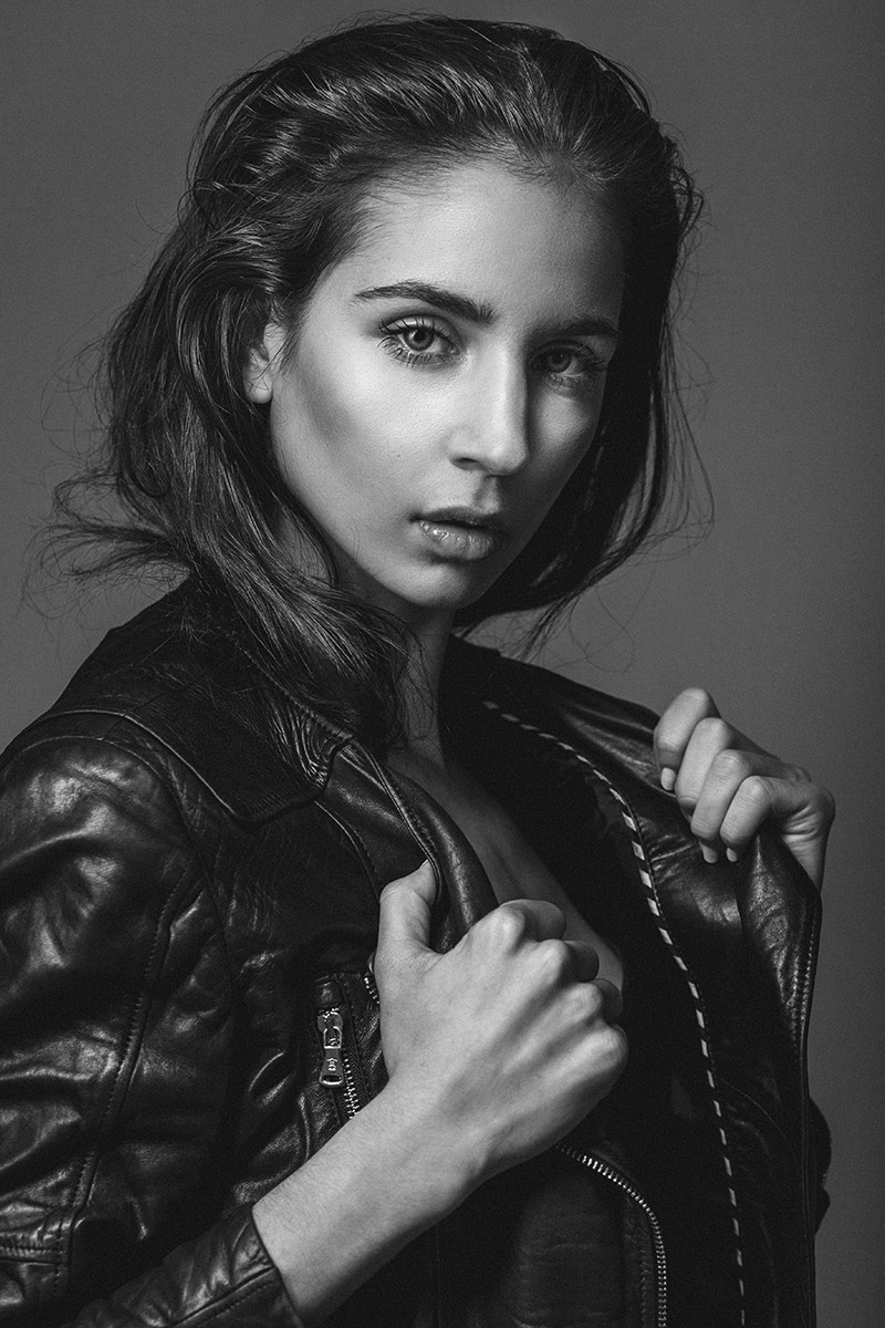 Maia Neumann model in black leather jacket enchant your eyes model test by Kipenko